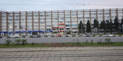 На Варшавке - Фасад